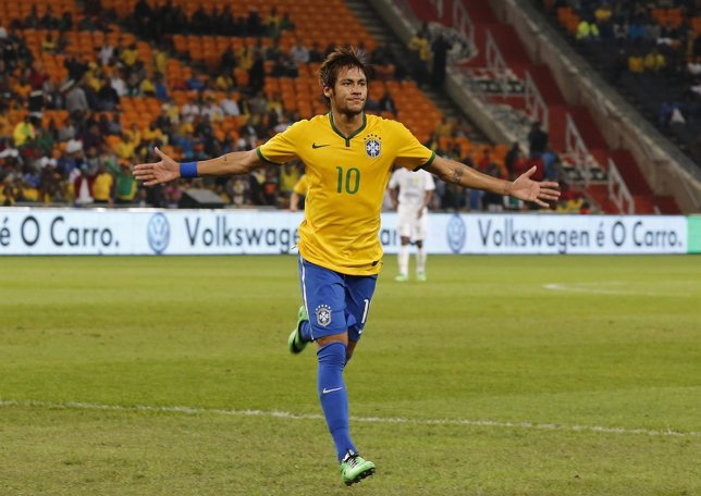 Neymar firma un triplete ante Sudáfrica