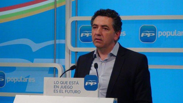 Carlos Cuevas, secretario general del PP riojano analiza abdicación Rajoy