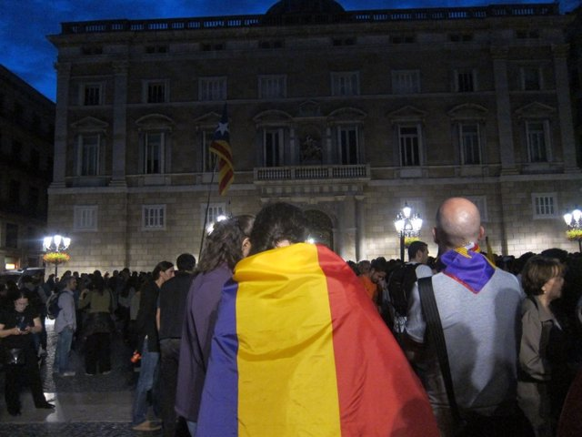 1.500 Personas Se Concentran En Plaza Sant Jaume Por La República Catalana