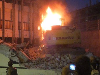 Retirada la excavadora de Can Vies tras otra noche sin disturbios