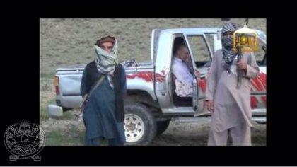 Los talibán difunden un vídeo sobre la entrega de Bergdahl a EEUU