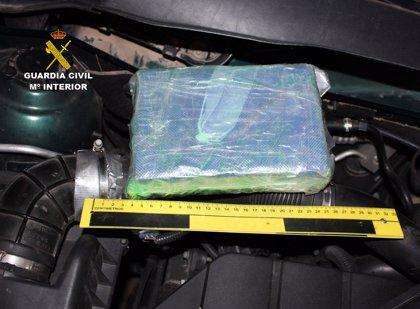Detenido por transportar más de un kilo de cocaína