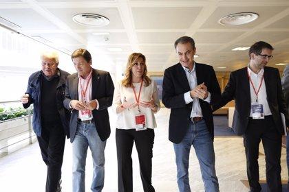 """Zapatero ve """"compatible"""" presidir la Junta y liderar el PSOE"""