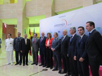"""Sostenible.-AV.-Díaz anima a invertir en el sector aeronáutico andaluz y asegura que tendrán """"todo el apoyo"""" de la Junta"""