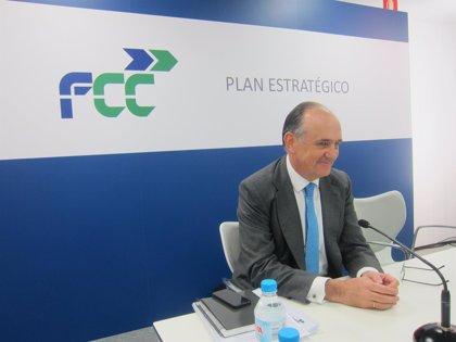 (Ampl.) FCC renueva parte de su cúpula directiva para adaptarla a su reto de globalización