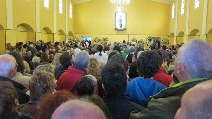 Despedida multitudinaria al párroco Alberto Pico en el Barrio Pesquero