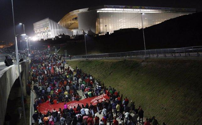 Personas sin vivienda manifiestan en estadio Corinthians de Sao Paulo,  Mundial