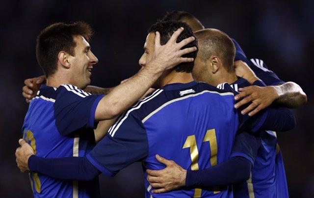 Leo Messi celebra un gol de Argentina ante Trinidad y Tobago