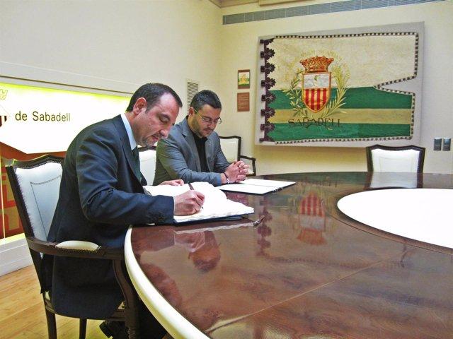El conseller R.Espadaler y el alcalde de Sabadell, J.C.Sánchez