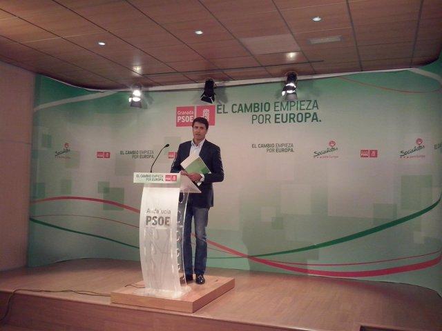 Secretario De Ordenación Del Territorio Y Vivienda Del PSOE-A, Pedro Fernández.
