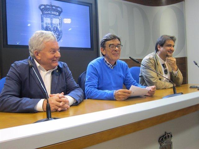 Por la izquierda, Huerta, Ramos y Suárez, en rueda de prensa.