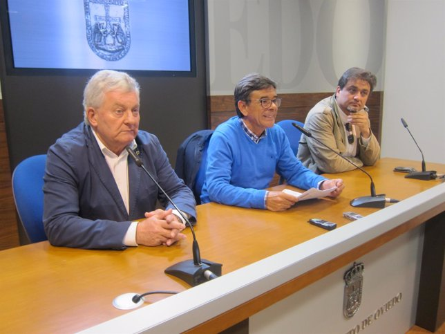 Huerta, Ramos y Suárez, en Rueda de Prensa.