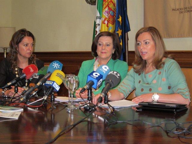 Sánchez Rubio (centro) y Serrano, observadas por Ambrosio
