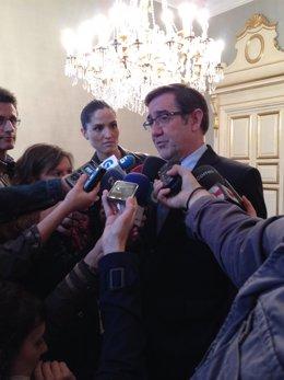Ángel Currás, alcalde de Santiago
