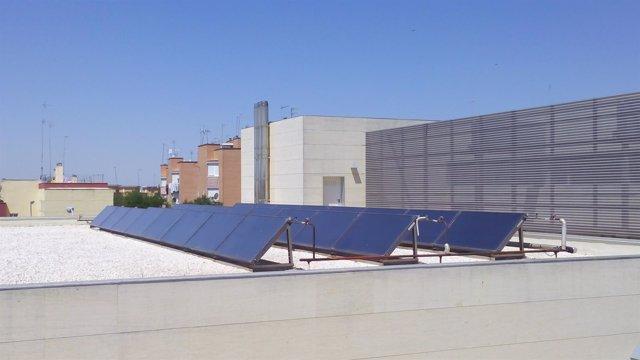 Paneles solares en el Hospital de Utrera