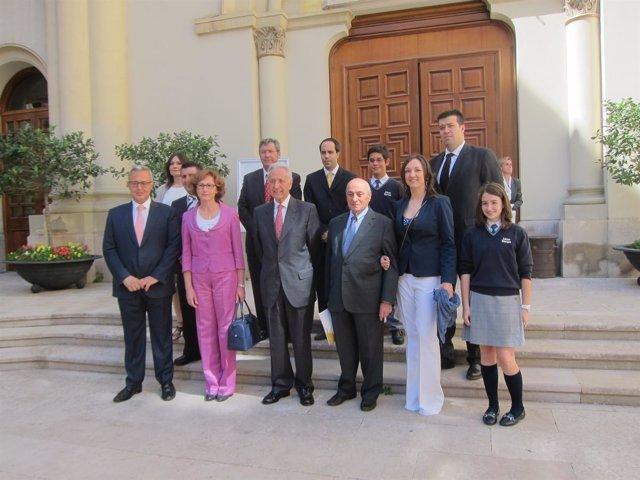 Los premiados en la sede del Gobierno de Aragón.
