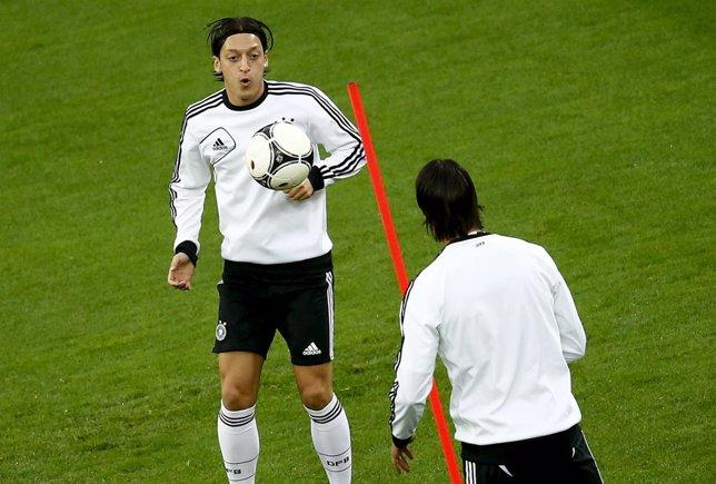 Mesut Ozil Con Alemania