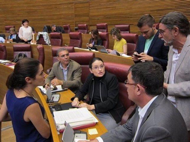 Oltra y diputados de Compromís el día de la expulsión del pleno