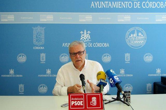 El concejal del PSOE en el Ayuntamiento de Córdoba Emilio Aumente