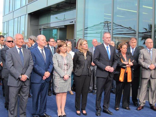 Comitiva de autoridades en la ianuguración de la sede de MSC en Valencia