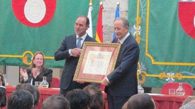 Entrega de la medalla de plata de Cantabria