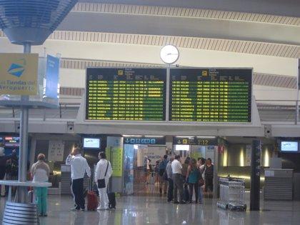 """El Gobierno central ve un """"despilfarro"""" desviar a Vitoria los vuelos de Loiu"""