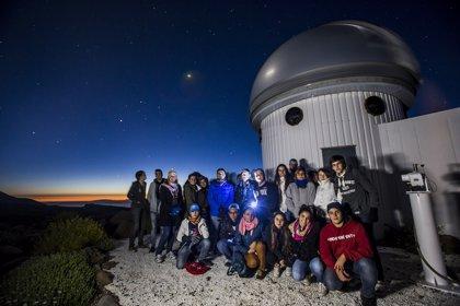 Los ganadores de 'Canarios bajo un mismo cielo' visitan el IAC