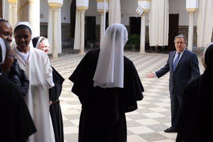 Zoido firma un convenio con las monjas de San Leandro para obras de rehabilitación