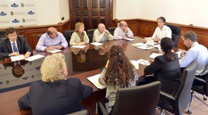 El Ayuntamiento ratifica a la FECAV su compromiso de construir el centro cívico de Cazoña