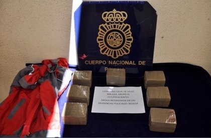 Detienen a cinco personas en dos operaciones contra el tráfico de drogas en la Axarquía