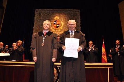 Un catedrático de la UN, doctor honoris causa de la Universidad de los Andes