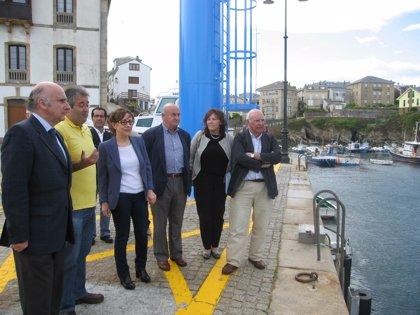 Las obras de reparación del puerto de Tapia concluirán en dos semanas