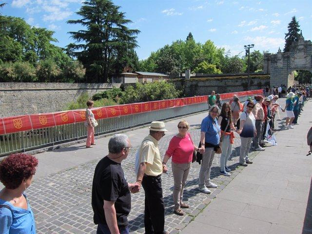 Cadena humana en Pamplona a favor del derecho a decidir