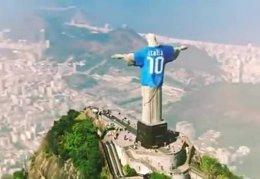 Cristo Redentor de Río de Janeiro con la camiseta de la selección italiana