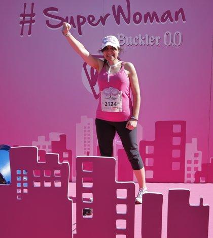 Una alavesa que ha superado el cáncer en tres ocasiones, designada  SuperWoman del proyecto solidario de Buckler 0,0