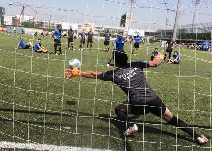 Durante un partido de fútbol pueden perderse hasta 3 litros de agua corporal a través del sudor