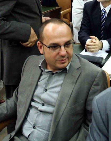 Diputado de CiU pide a la Generalitat plantear medidas sociales con la misma pasión que se defiende la consulta
