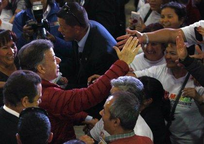 Colombia.- El grueso del movimiento sindical de Colombia respalda la reelección de Santos