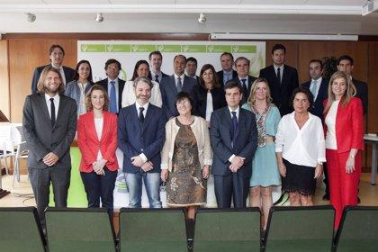 """Diego agradece la contribución de los farmacéuticos a preservar una sanidad pública """"gratuita, de calidad y sostenible"""""""