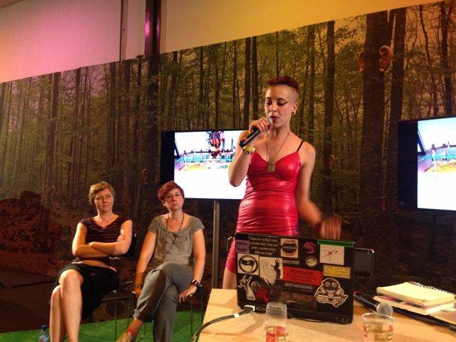 Mesa redonda sobre ciberfeminismo en el Sónar+D