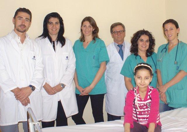 Naima y el equipo de Fundación Quirón