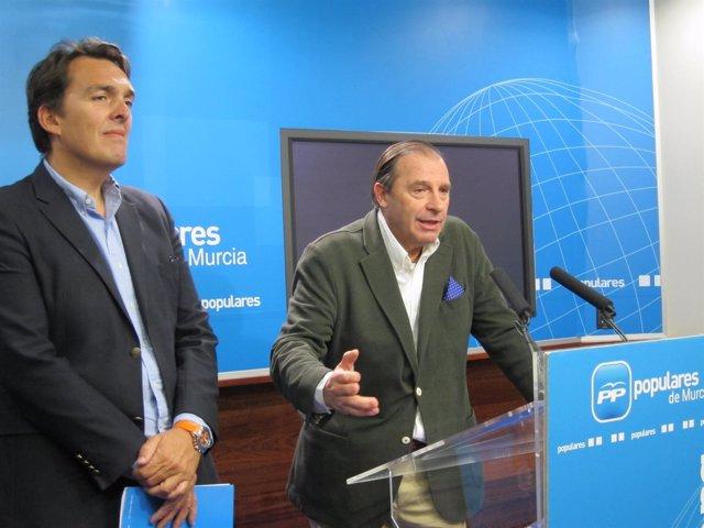 El diputado del PP en el Congreso, Vicente Martínez-Pujalte, se dirige a los med