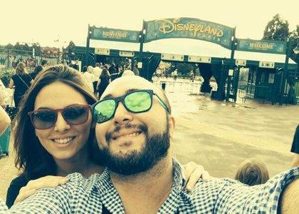 Kiko Rivera disfruta con su nuevo amor de Disneyland París