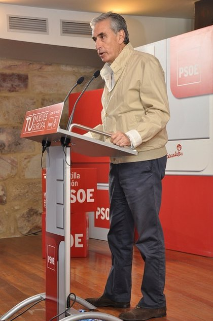 """Jáuregui dice que tanto Madina como Sánchez representan la oportunidad de hacer un cambio """"importante"""" en el país"""