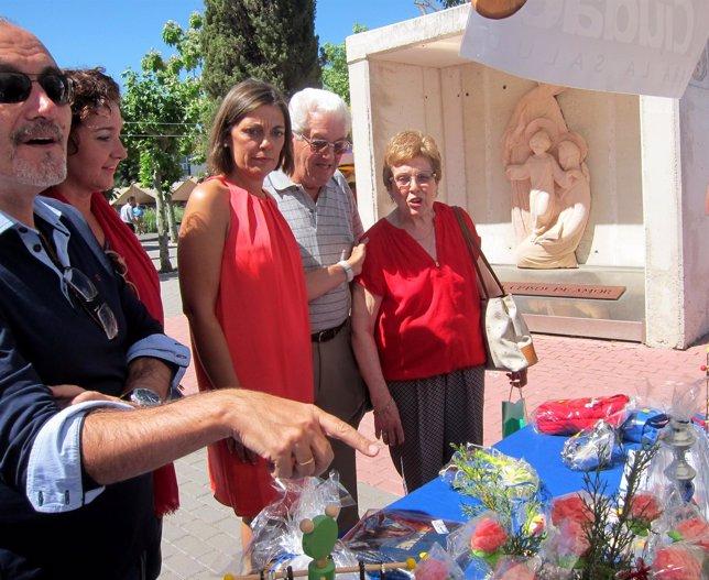 Milagros Marcos duranta su visita a San Juan de Dios