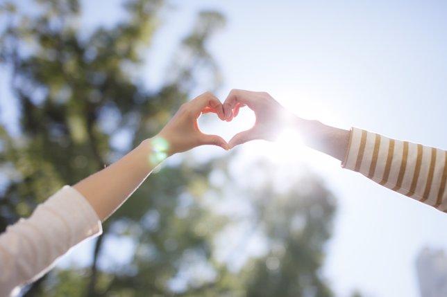 Amor del siglo XXI, corazón, pareja