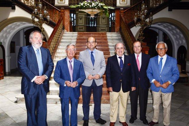 En alcalde Juan José Cardona en la firma del convenio sobre gastronomía
