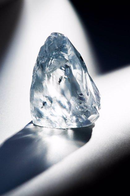 Extraen de una mina en Sudáfrica un excepcional diamante azul de 122,52 quilates, que podría ser el más caro del mundo