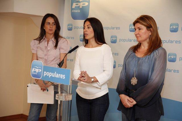 Soto, en rueda de prensa, junto a Aranzazu Martín y Rosalía Espinosa