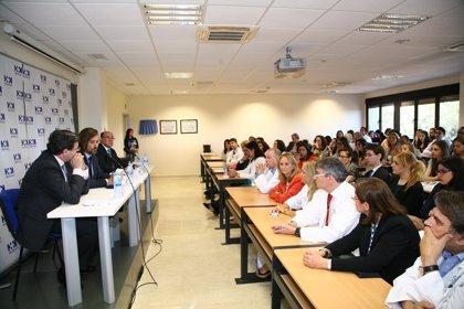 HM Hospitales dice adiós a la tercera promoción de alumnos de Medicina de la CEU San Pablo